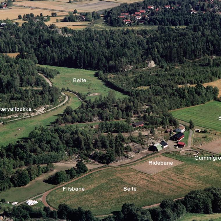Unghestsenteret i Vestfold - Gårdens fasiliteter